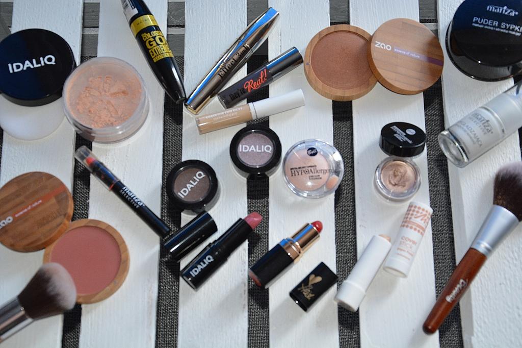 oprozniamy_kosmetyczki_kosmetyki_do_makijazu