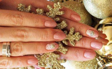 Świąteczno-grudniowe zdobienia paznokci