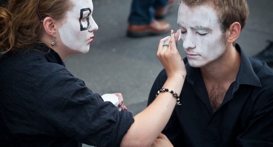 Mężczyźni dla makijażu: 5 znanych makijażystów w kobiecym świecie