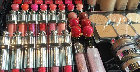 Wydatki młodych Polek nakręcają koniunkturę na rynku kosmetyków. Wyniki raportu GfK Beauty 2016