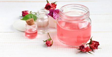 Woda różana – właściwości pielęgnacyjne