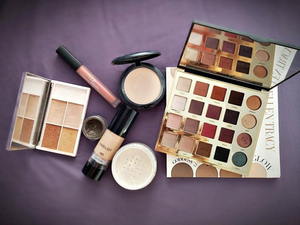 Hity z Instagrama: makijaż Insta Baddie | Trusted Cosmetics