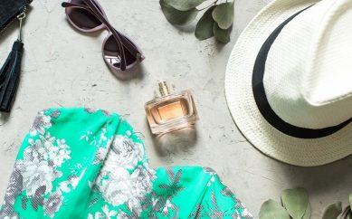 Ulubione letnie zapachy – Wakacyjny Poradnik Urodowy