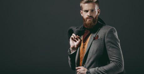Jakimi kosmetykami nawilżać męskie włosy