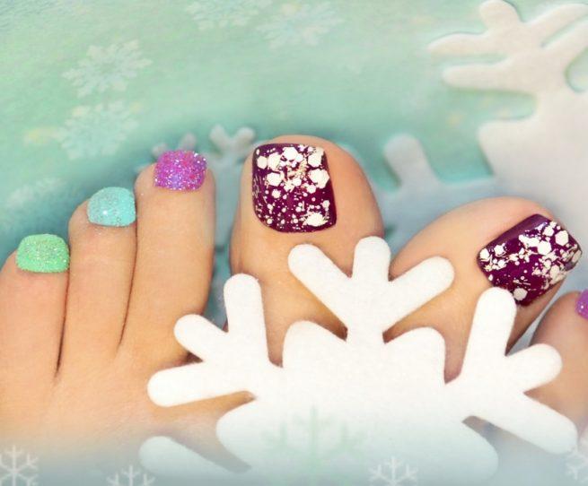 Świąteczne zdobienie paznokci — podpowiadamy jak ozdobić paznokcie na święta!