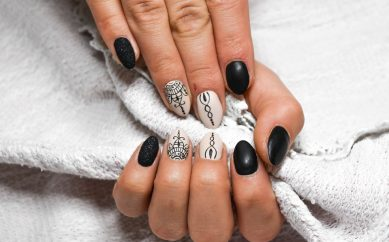 Lakier lub preparat do paznokci — Kosmetyczny Hit 2017 zdaniem blogerek i naszych Czytelniczek