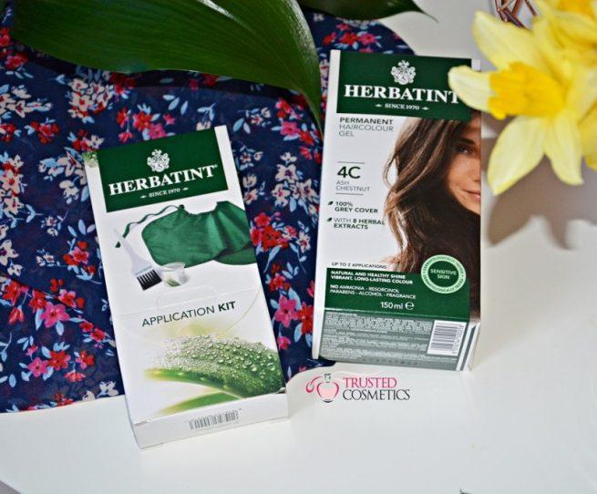 Piękne i zdrowe włosy farbowane. Znacie ziołowe farby w żelu Herbatint?