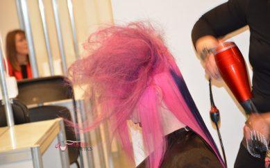 Zmień fryzurę na wiosnę – przegląd najnowszych trendów fryzjerskich
