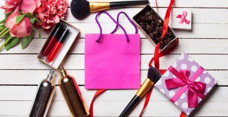 Torba wypełniona kosmetykami — upominki z Meet Beauty 2018
