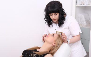 Jak przygotować się do pierwszej wizyty u kosmetologa?