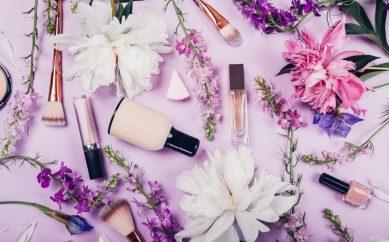 Pokaż wakacyjną kosmetyczkę — ogólny przegląd jej zawartości