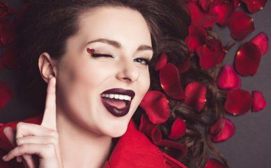 Róża w kosmetykach oraz jej właściwości
