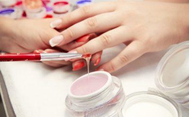 Żele UV do paznokci – co musisz o nich wiedzieć?