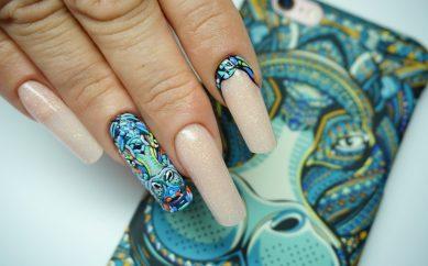 Trendy w stylizacji paznokci na świecie
