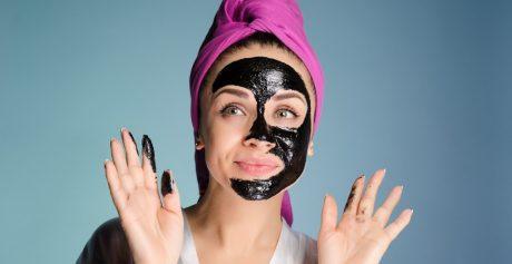 Węgiel aktywny — dlaczego warto szukać go w kosmetykach?