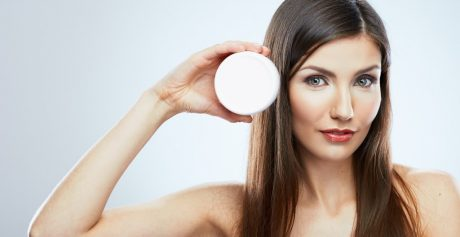 Jakich składników poszukiwać w kosmetykach kojących po opalaniu?