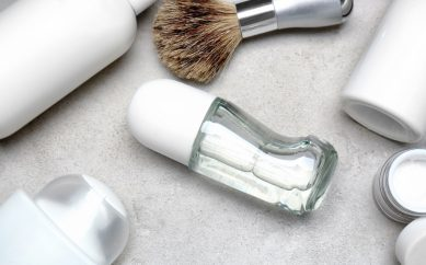Pokaż wakacyjną kosmetyczkę — wakacyjna męska kosmetyczka