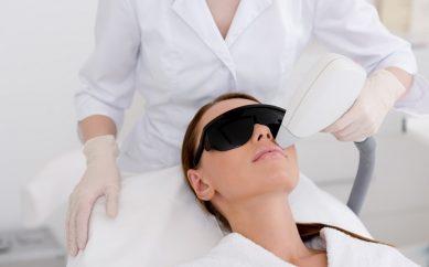 Depilacja laserowa — jak zadbać o skórę po zabiegu?
