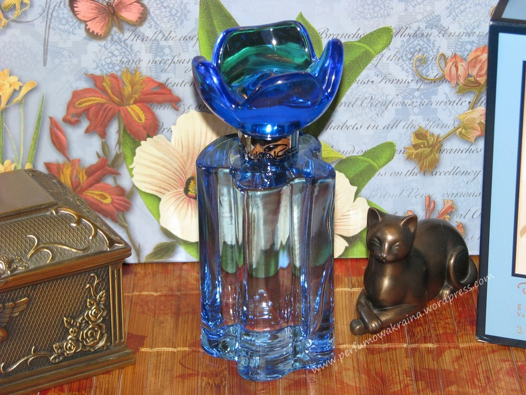 Blue Orchid marki Oscar de la Renta