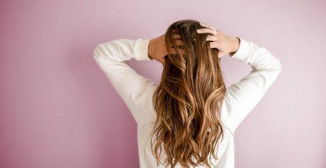 Keratyna – jak działa na włosy i kiedy warto ją zastosować?