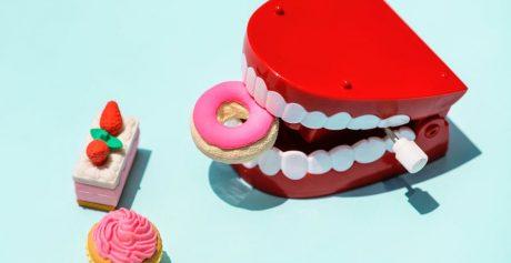 Błędy przy higienie jamy ustnej – czego się wystrzegać?