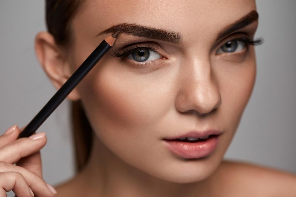 Jak zrobić idealny makijaż brwi?