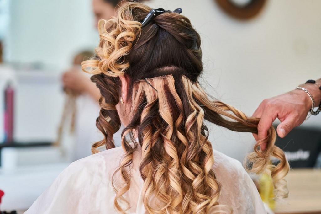 Jak działa pianka do włosów?