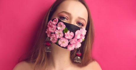 Maskne i makijaż pod maseczką w czasach koronawirusa