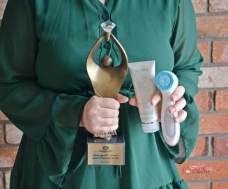 Zestaw ageLOC® LumiSpa™ Accent & Ideal Eyes Nu Skin nagrodzony Diamentem Beauty 2021