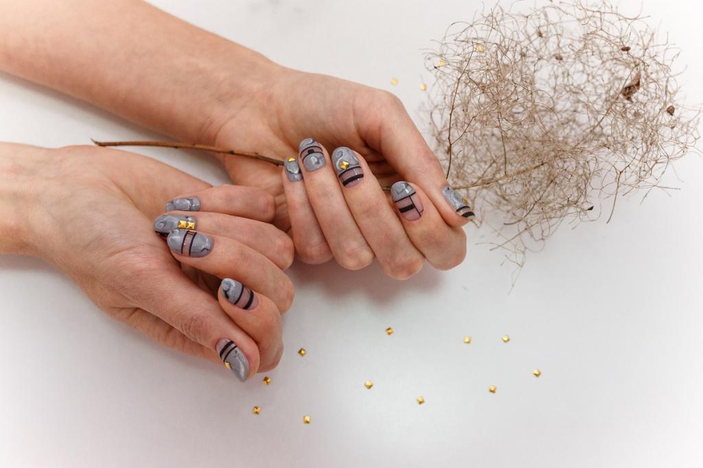 Jesienny manicure i pedicure - modne paznokcie na jesień